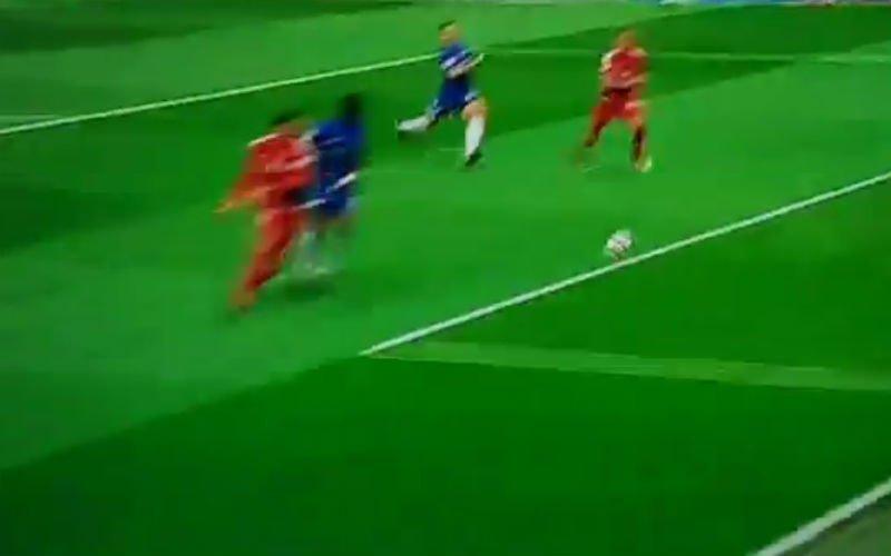 Hoe kan Watford-speler Richarlison deze kans nog missen? (video)
