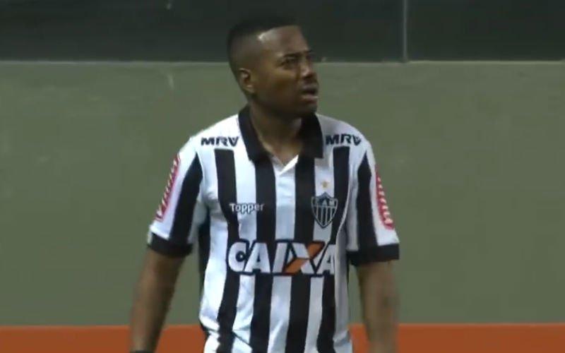 Spelers Chapecoense razend op Robinho na deze belachelijke actie (video)