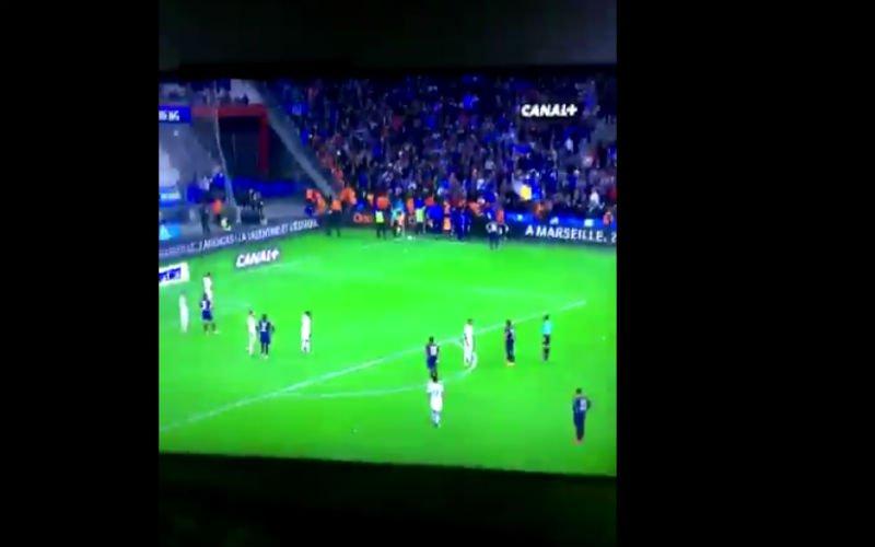 Ongelooflijk wat deze jonge Marseille-fan aandurft bij Neymar (video)