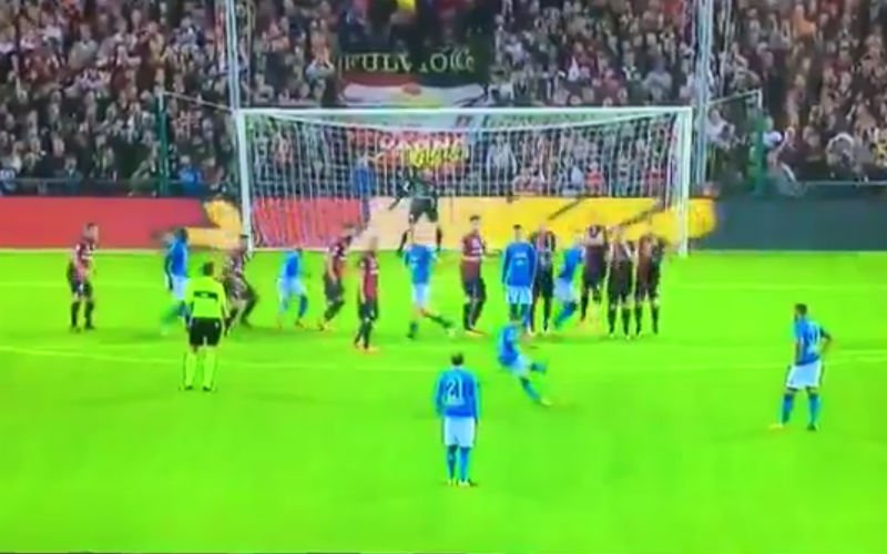 Dries Mertens trapt eventjes de perfecte vrije trap (video)