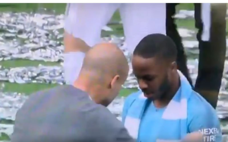 Dit doet Guardiola bij Sterling (die hattrick scoorde) na 6-0-zege in finale (VIDEO)