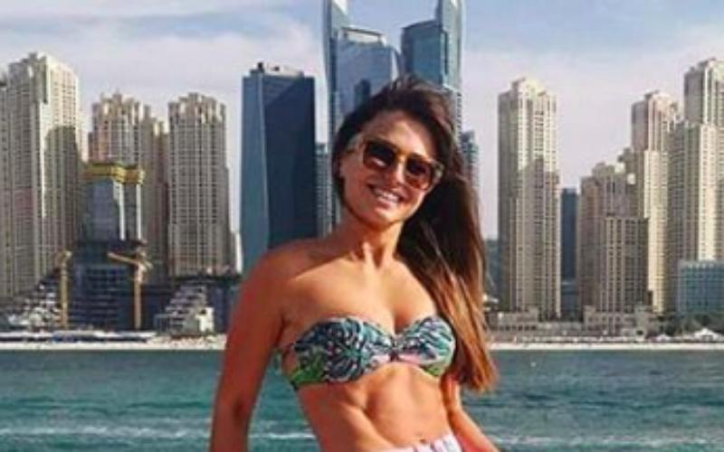 WAG van Robert Lewandowski laat haar perfecte lichaam wel héél graag zien
