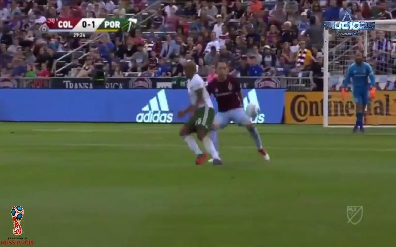 Haal deze spits terug Anderlecht! Geniale goal à la Bergkamp (Video)