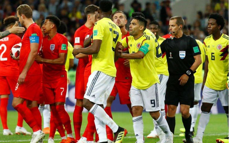 Engeland en Uruguay krijgen een boete van de Fifa