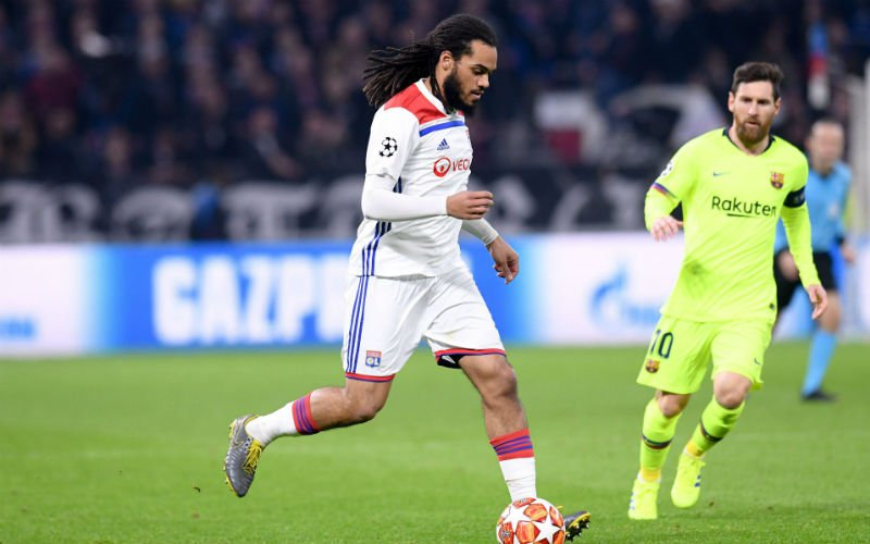 Grootse Denayer legt Messi lam, Franse media zijn lyrisch