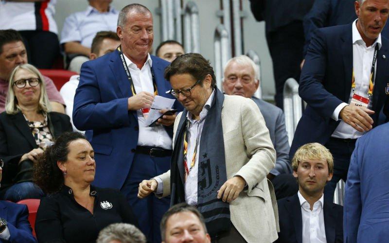 Anderlecht-fans pakken uit met duidelijk spandoek richting het bestuur