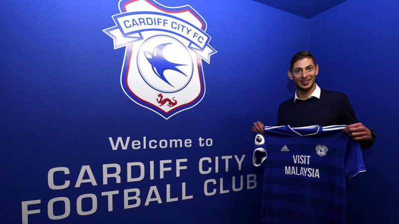 Sala, recordtransfer van Cardiff City, is vermist: Privé-vliegtuig plots van radar verdwenen