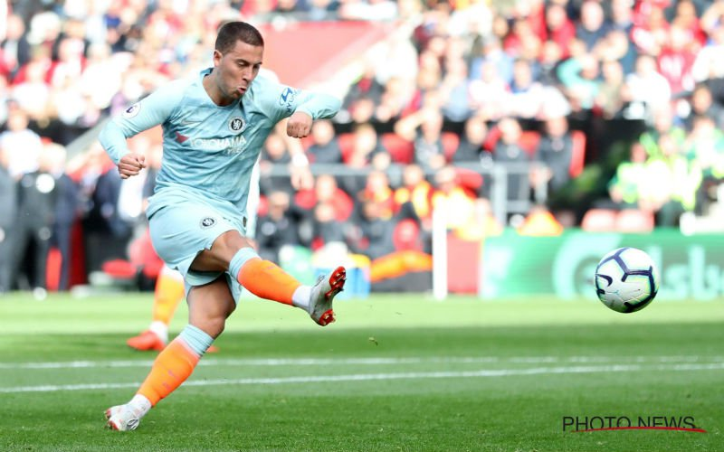 Hazard brengt Chelsea (eventjes) aan de leiding in de Premier League