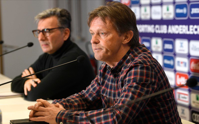 Vercauteren valt van zijn stoel bij Anderlecht: