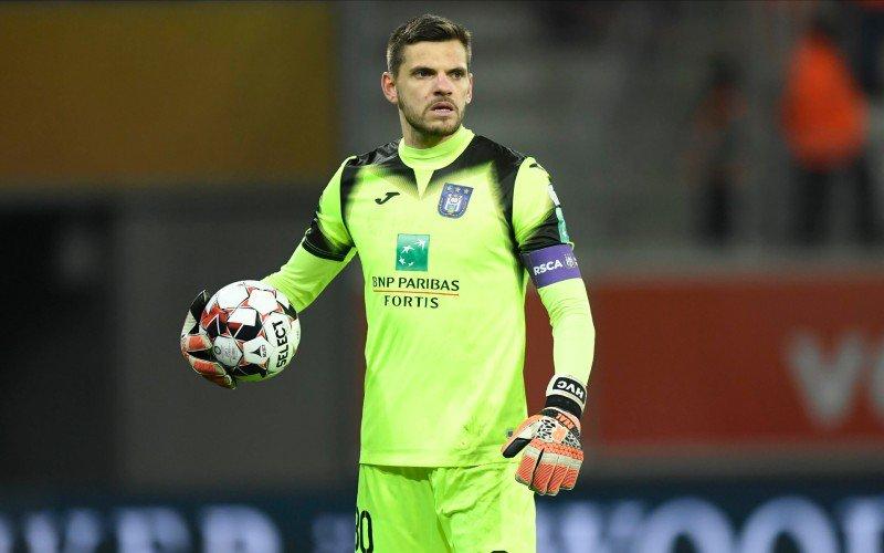 'Anderlecht verneemt verrassend transfernieuws over Hendrik Van Crombrugge'