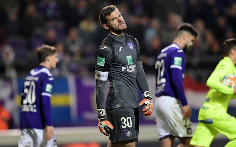 'Anderlecht duwt Hendrik Van Crombrugge naar de uitgang'