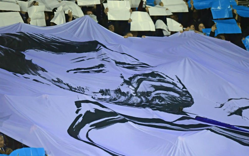 Kippenvel: Indrukwekkende steun van supporters Club Brugge voor Ivan Leko