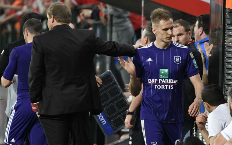 Dit was er tijdens Standard-Anderlecht écht aan de hand met Teodorczyk