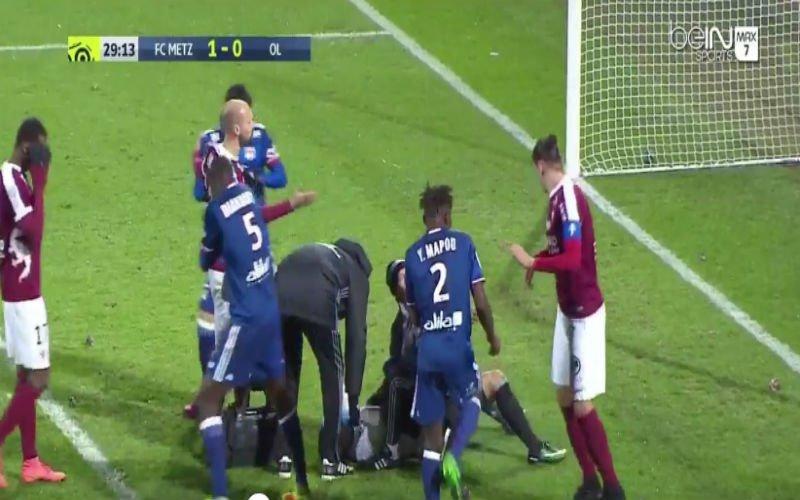 Wedstrijd in Ligue 1 wordt gestaakt nadat Lyon-doelman hierdoor in ziekenhuis belandt (Video)