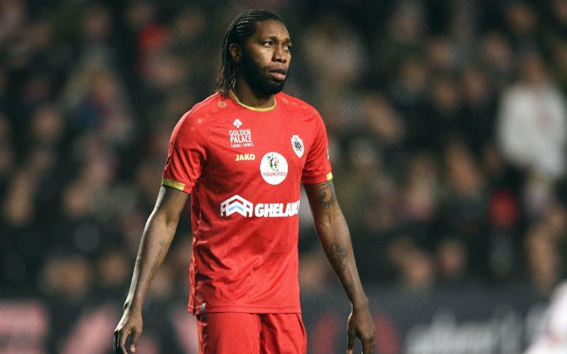 'Dieumerci Mbokani maakt verrassende transferwens bekend bij Antwerp'