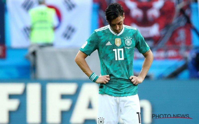Mesut Özil stopt meteen bij Duitsland en haalt zwaar uit
