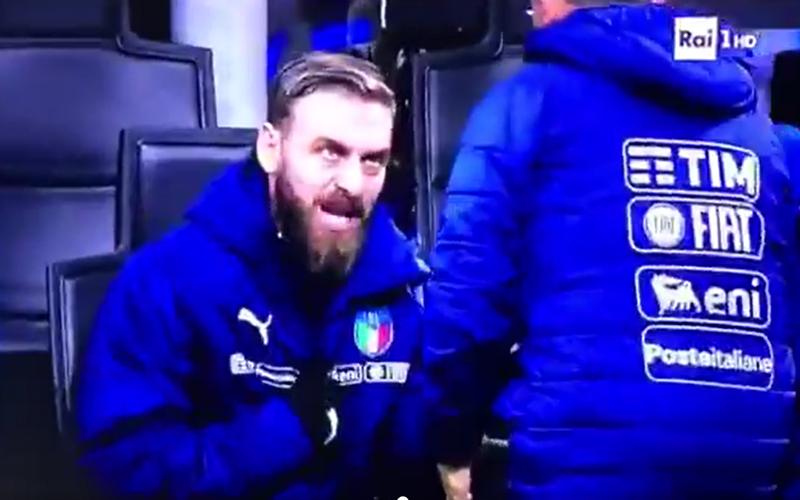De Rossi weigert op te warmen bij Italië om deze erg speciale reden (Video)