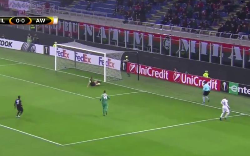 'Man van 40 miljoen' gaat gruwelijk in de fout bij AC Milan (Video)