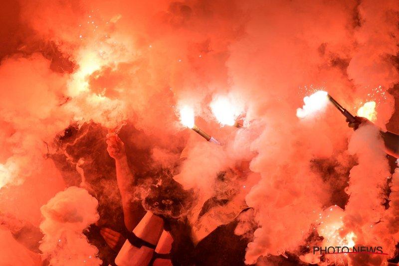 Fans van Cercle steken vlag van Club in brand, schade aan Jan Breydelstadion