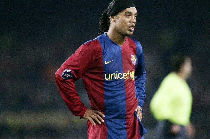 Ronaldinho keert na 9 jaar terug naar Barcelona