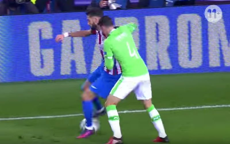 Yannick Carrasco doet plots dit in Champions League (Video)