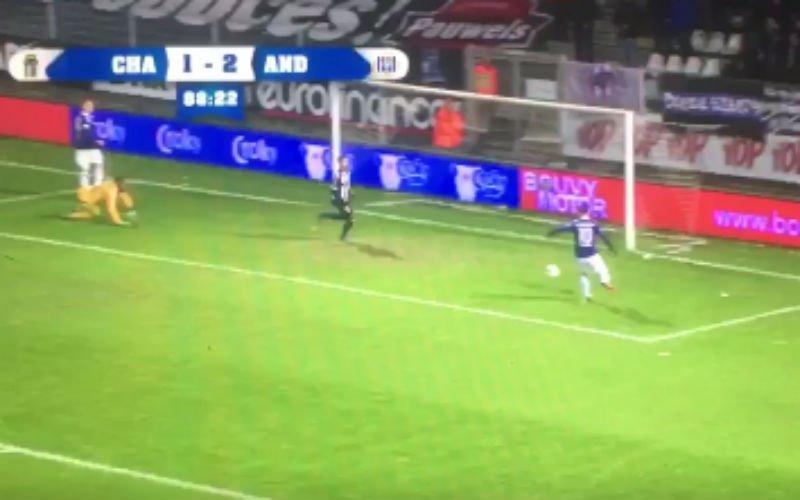 Gaat deze bal erin, Massimo Bruno? (Video)