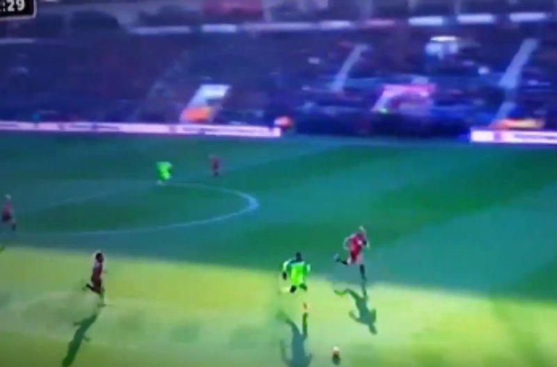 Wat een klasbak! Origi scoort weer een geweldige goal voor Liverpool (Video)
