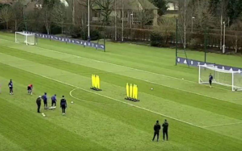 Courtois scoort op schitterende wijze op training (Video)