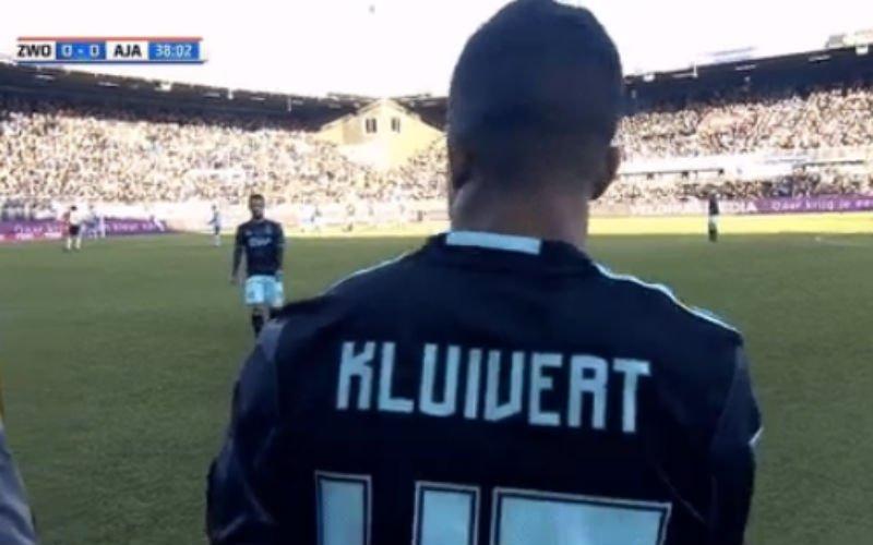 23 jaar na Patrick Kluivert maakt zoon Justin zijn debuut bij Ajax (Video)
