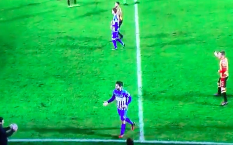 En dan doet Yannick Ferrera dit tijdens KV Mechelen - RC Genk... (Video)