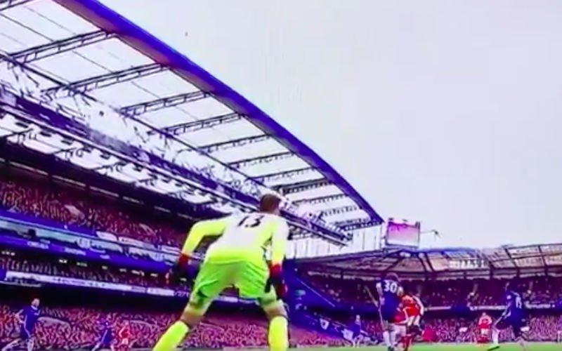 Ongelofelijk! Courtois doet iets fenomenaals tegen Arsenal (Video)