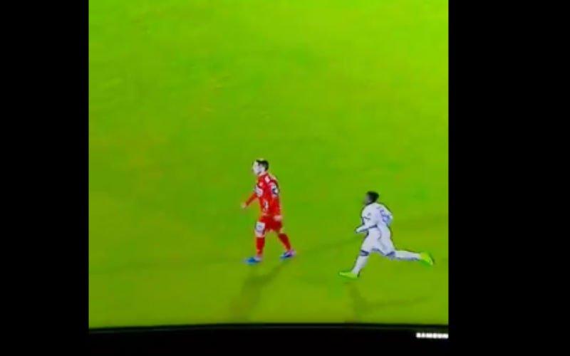 En dan doet Acheampong dit tegen Oostende... (Video)