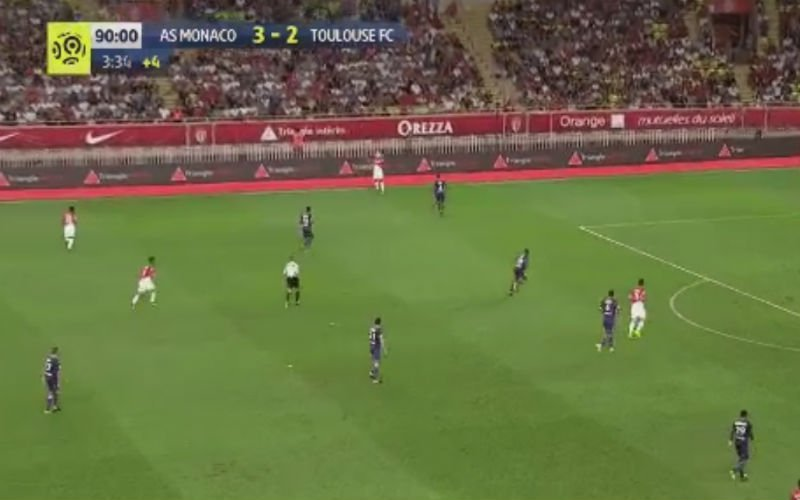 Monaco-fans kijken met open mond naar Tielemans (Video)