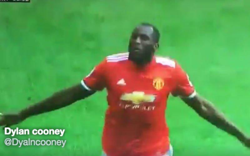 Lukaku speelt nu al alles kapot bij Man United (Video)