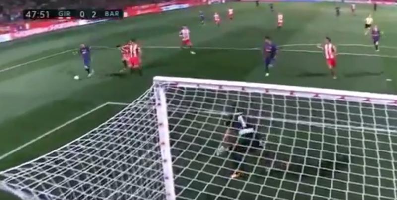 Barça-fans vallen van hun stoel na dit van Vidal (Video)