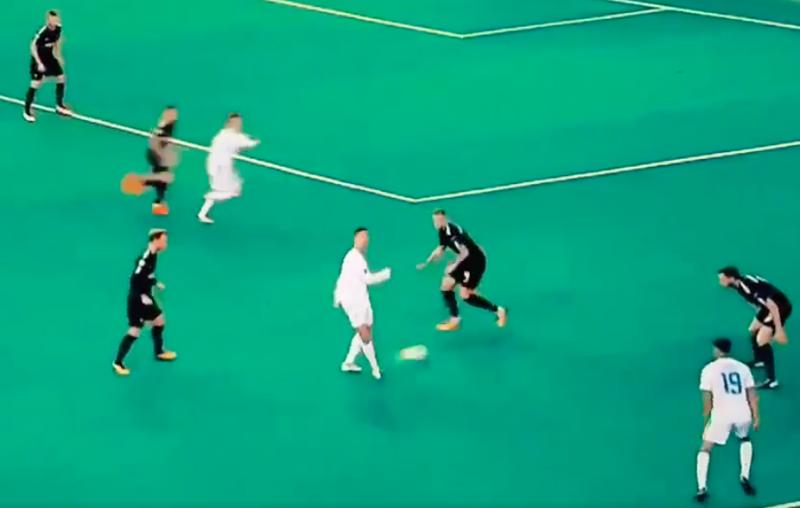 Ronaldo probeert 'no look pass', maar kijk wat er dan gebeurt (Video)
