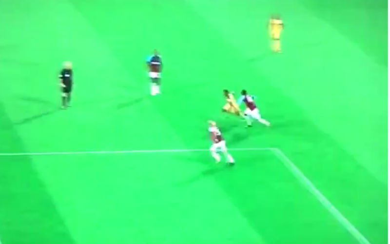 Izquierdo scoort eerste doelpunt voor Brighton, en hoe! (Video)