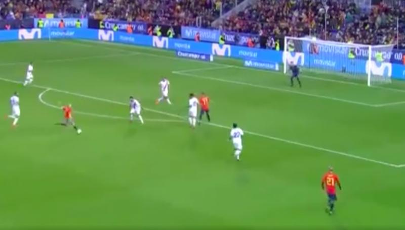 Iniesta maakt fraaie goal voor Spanje (Video)
