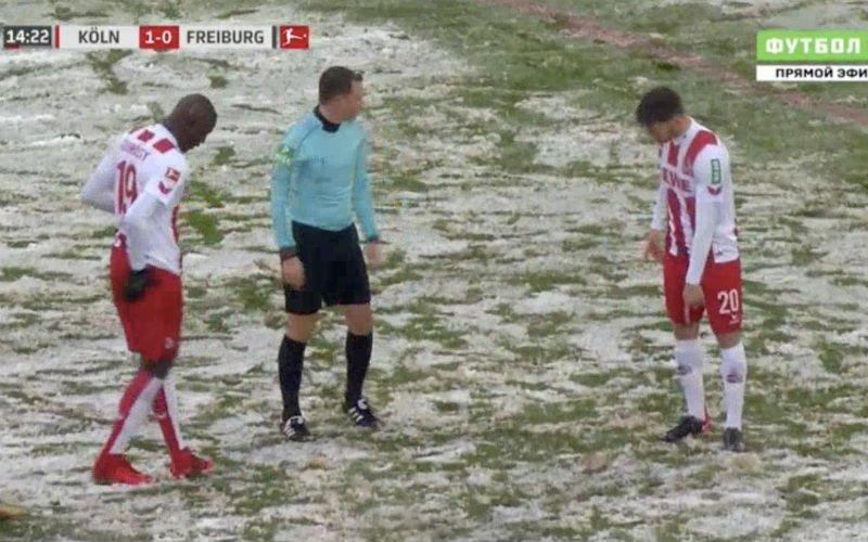 Sneeuw zorgt voor hilarische beelden: Penaltystip is verdwenen (Video)