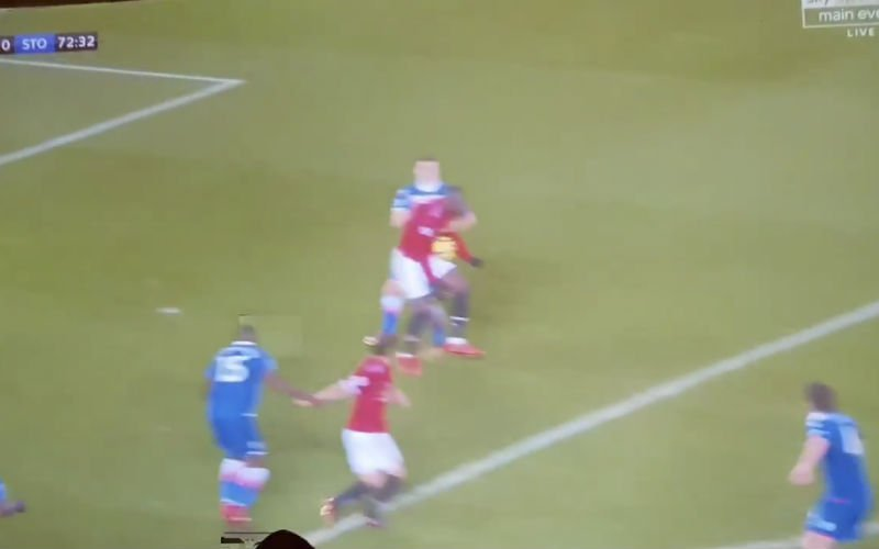 Lukaku dolt met verdediging en maakt typische Lukaku-goal (Video)