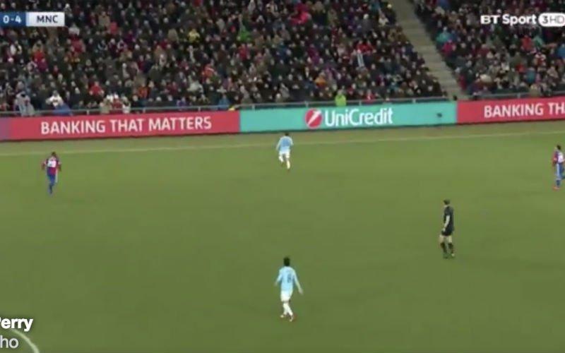 Kijk naar wat David Silva hier doet bij Man City (Video)