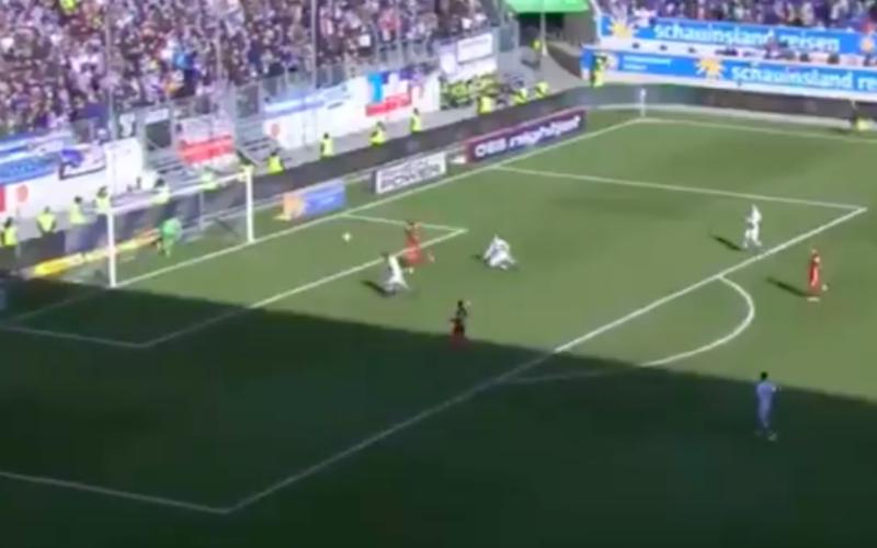 Dit moét wel het belachelijkste doelpunt ooit zijn (Video)