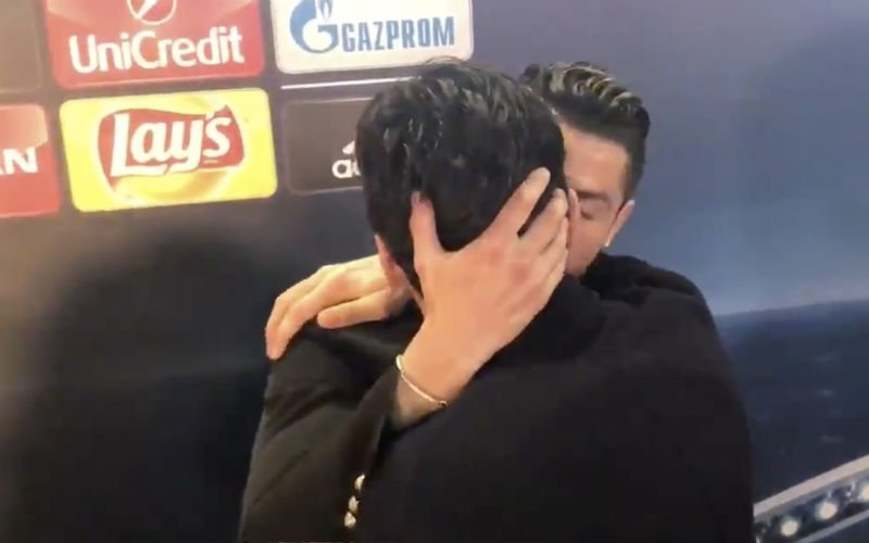 Zo begroeten Ronaldo en Buffon elkaar na wedstrijd (Video)