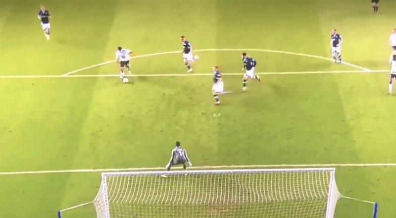 Mitrovic scoort alweer met een heerlijke pegel (Video)