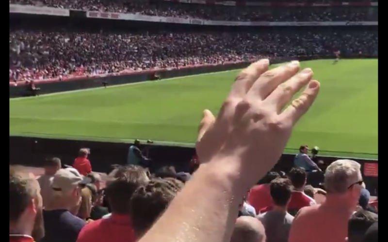Arsenal-fans zingen massaal voor 'hun' Arsène Wenger (Video)
