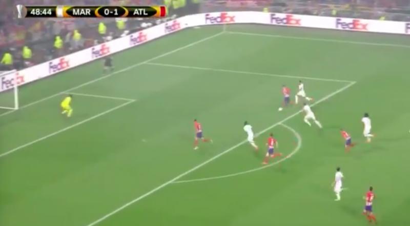 Pure klasse! Griezmann maakt deze goal in EL-finale (Video)