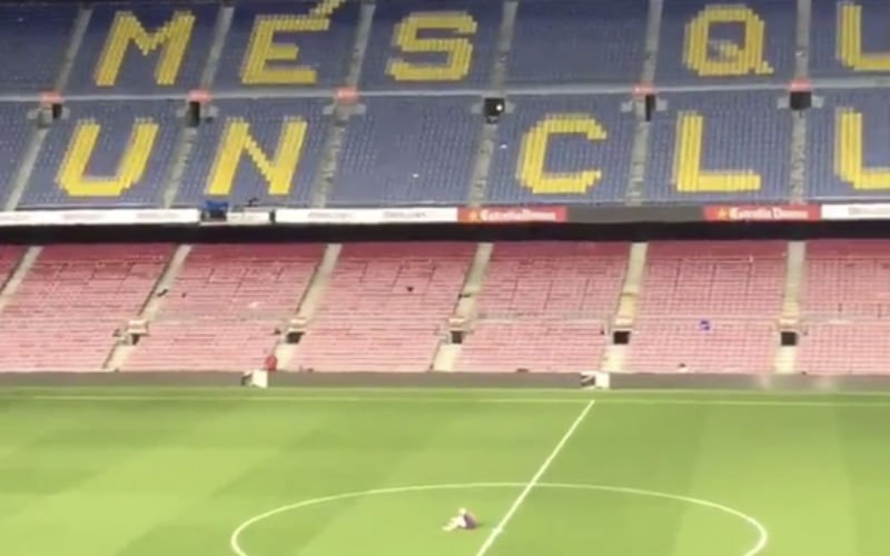 Op indrukwekkende wijze neemt Iniesta afscheid van zijn Camp Nou (Video)
