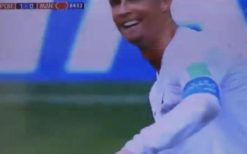 Iedereen heeft het over deze vreemde actie van Cristiano Ronaldo (Video)