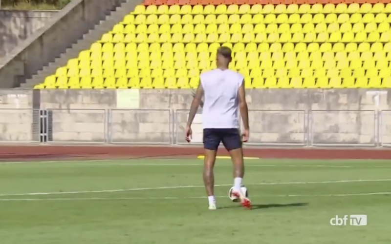 Neymar is terug in training en kijk wat hij dan doet (Video)