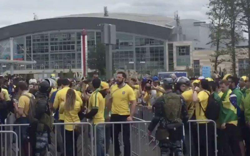 Braziliaanse fans zingen Lionel Messi al naar huis: